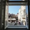 pogled kroz prozor apartman Trogir